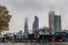Аквариум и небоскребы SeaLife на дождливый день Стоковые Изображения