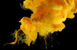 Акриловые цветы в воде абстрактная помарка предпосылки стоковые фото