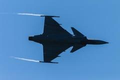 Акробатика летания бойца воздушных судн Стоковые Изображения RF