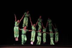 акробаты китайские стоковое фото rf
