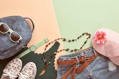 Аксессуары битника моды Стильное городское обмундирование Стоковая Фотография RF