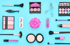 Аксессуары состава моды косметические essentials стоковые изображения