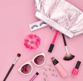 Аксессуары состава моды косметические essentials стоковое изображение