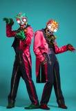 2 актера цирка в зомби одевают представлять на студии Стоковые Изображения RF
