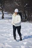 активная женщина зимы Стоковое Изображение