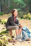 активная здоровая hiking женщина Стоковое фото RF