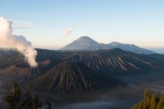 Активный держатель Bromo - Ява, Индонезия Стоковое фото RF