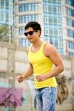 активный красивый jogging человек Стоковое Изображение