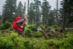 активный максимум hiking горы старшие Стоковое Фото