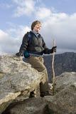 Активный старший Hiking женщины Стоковые Изображения RF