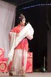 Актриса поет, тишины тайваньской оперы jinyuliangyuan стоковые фото