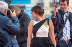 Актриса Lorenza Izzo присутствует на премьере стука стука во время 41st фестиваля фильмов американца Deauville Стоковое Фото