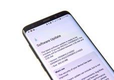 Актуализация программного обеспечения Samsung S8 Стоковая Фотография RF