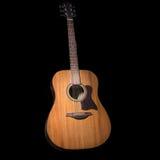 акустическая гитара черноты предпосылки сверх Стоковые Изображения