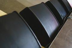 Акустическая система, черные дикторы перед этапом, концерт показывает конец-u Стоковые Изображения