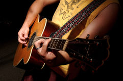 акустическое нот гитары полосы Стоковое Изображение
