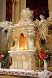 Алтар в церков интерьер церков Стоковое фото RF