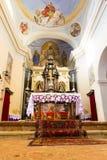 Алтар от церков Santi Simone e Fedele стоковые изображения