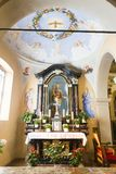 Алтар от церков Santi Simone e Fedele стоковая фотография rf