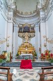 "Алтар со статуей Agatha Святого в церков Badia di Sant ""Agata в Катании, Сицилии, Италии стоковые изображения"