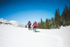 2 альпиниста в горах Стоковое Изображение RF