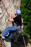 альпинист rappelling Стоковое Изображение RF