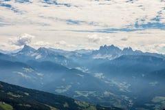Альпы с большим взглядом на доломитах стоковые изображения