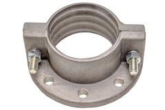 Алюминиевый изолят фланца на белизне Фланцы, масло или газовая промышленность алюминиевый бросать стоковые фотографии rf