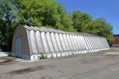 Алюминиевый промышленный ангар стоковые фото