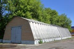 Алюминиевый промышленный ангар стоковое изображение rf