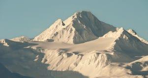 Аляска покрыла снежок гор Стоковое Изображение