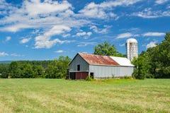 Амбар в горах Alleghany, Вирджиния, США Стоковые Изображения