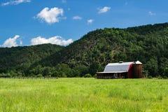 Амбар в горах Alleghany, Вирджиния, США Стоковая Фотография RF
