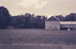 Амбар и поле Стоковая Фотография RF