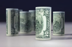 Американец 2 доллара доллара свернул вверх на черноте Стоковое фото RF