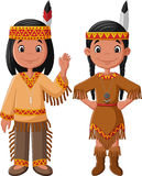 Американец пар шаржа родной индийский с традиционным костюмом Стоковое Изображение RF