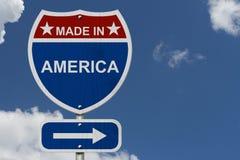 Американец сделанный в дорожном знаке шоссе Америки Стоковые Изображения