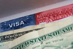 Американская виза в пасспорте стоковые фотографии rf