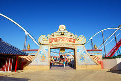 Американская горка Shambhala в тематическом парке Aventura порта Стоковое Фото
