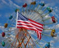 американская езда парка флага занятности стоковые изображения