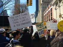 Американская Республиканская партия, выбранный GOP, голосование, протест -го март на наши жизни, NYC, NY, США Стоковое Фото