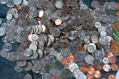 Американские деньги монетки серебра и меди Стоковое фото RF