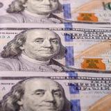 Американские доллары наличных денег, конца-вверх банкнот Много 100 USD запрета Стоковые Фотографии RF