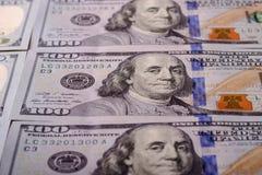 Американские доллары наличных денег, конца-вверх банкнот Много 100 USD запрета Стоковые Изображения
