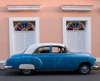 американские за пятьдесят Тринидад Кубы автомобиля Стоковые Фото