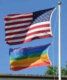 Американские и голубые флаги гордости Стоковые Фото