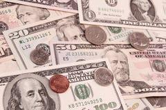 Американские монетки и банкноты Стоковые Изображения
