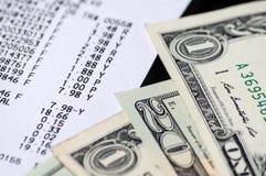 Американские доллары и крупный план получения стоковые фото