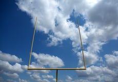 Американские стойка ворот футбольного поля Стоковые Изображения