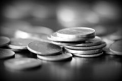 Американские центы на темной предпосылке Черное amd белое стоковое изображение rf